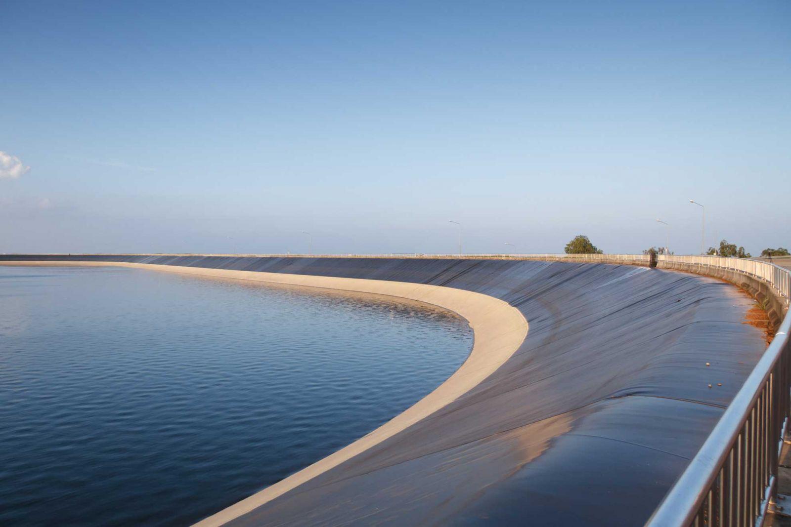 Hồ chứa nước bằng màng chống thấm HDPE